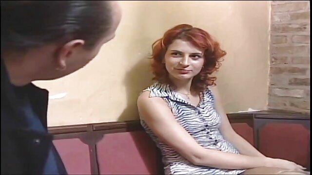 Père a invité à la maison une vidéo x gratuit français blonde sexy pour son fils
