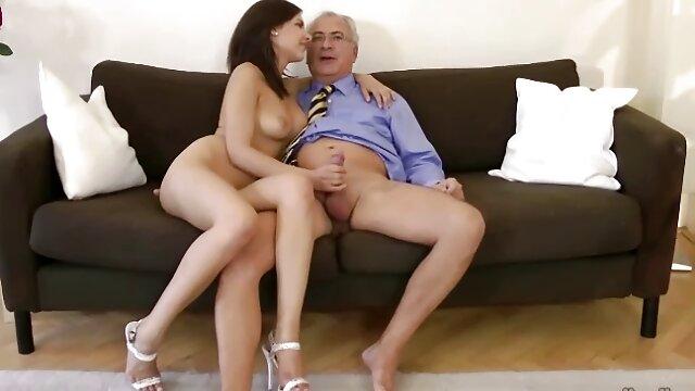 Rousse dodue ravi un ami avec des fentes serrées film porno allemande