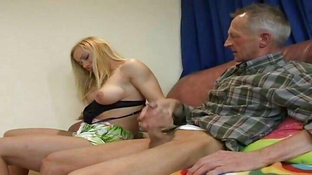 Un couple d'étudiants voulait jouer un youtube film porno francais peu coquine après des couples au bureau